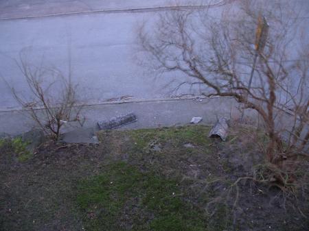 Nedblåsta takpannor - ett resultat av stormen Gudrun