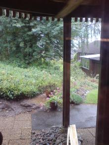 Regn utanför fönstret