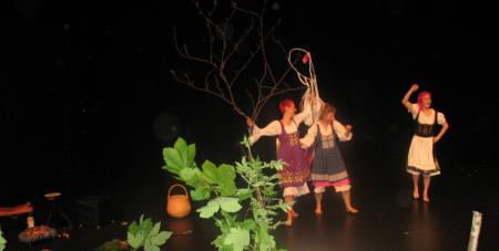 Hoppalappa - en improvisationsdansföreställning