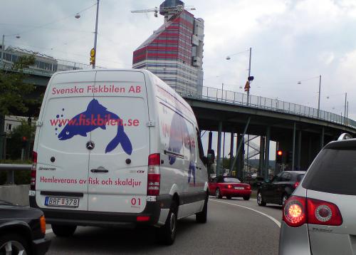 Svensk Fisk AB, med samma färger som Red Bull
