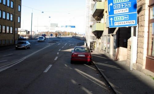 HOH 289, parkerad i högerfilen vid Djurgårdsgatan 12 i Göteborg